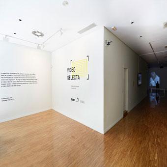 R tulos locales stands exposiciones pegatinas for Oficinas banco sabadell oviedo